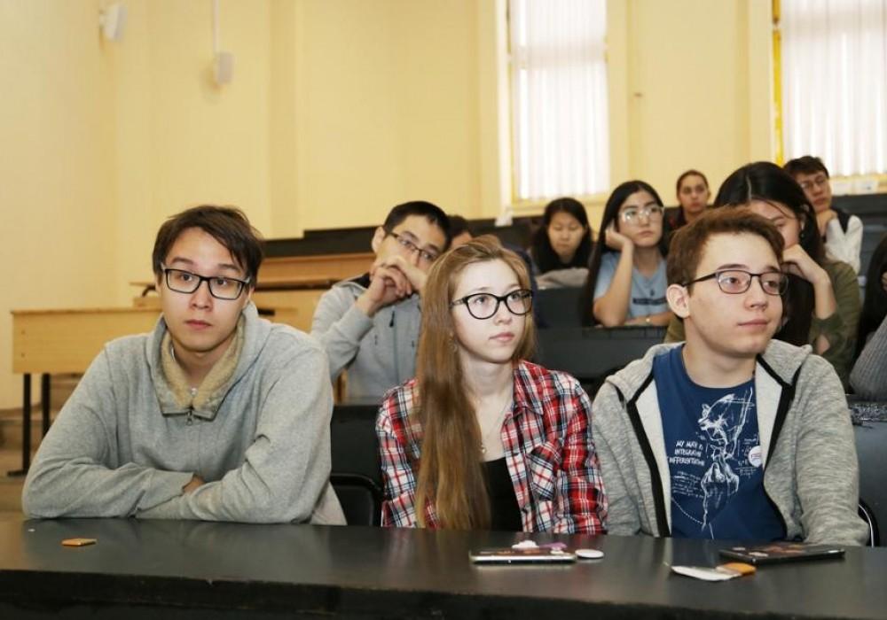 Встреча с якутскими школьниками прошла в Северо-Восточном федеральном университете им. М.К. Аммосова